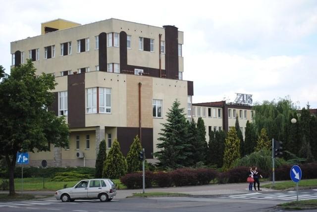 W miejscu niskiej zabudowy konińskiego ZUS-u, stanie zupełnie nowy budynek