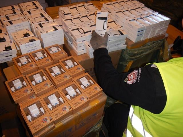 Podrobione towary przechwycone przez funkcjonariuszy pomorskiej Służby Celnej