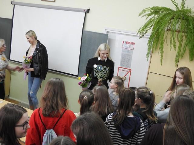 Siostry Oliferuk odwiedziły swą dawną szkołę w Bielsku Podlaskim