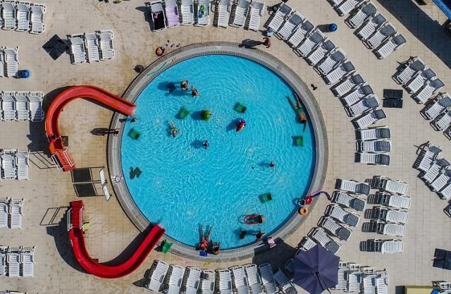 Aquapark FALA - jeden z największych Aquaparków w Polsce! Baseny, megazjeżdżalnie, ogromny teren zewnętrzny z basenami, sauny i SPA! Wszystko to w sercu Łodzi
