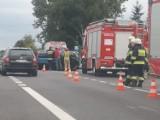 Groźnie wyglądający wypadek na DK 94 w pobliżu Krze. Jedna osoba poszkodowana [ZDJĘCIA]