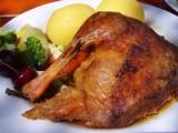 Tyle kosztują kura na rosół, kaczka, gęś i swojskie jajka. Oto oferty prosto od rolników [ceny - 25.10.21]