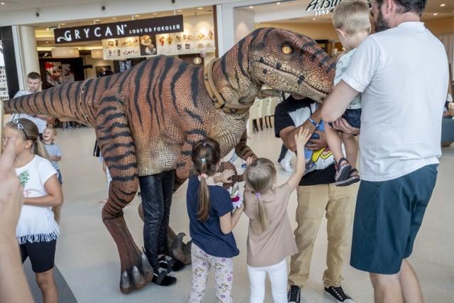 Warsztaty paleontologiczne i możliwość zapoznania się z historią dinozaurów to atrakcje, które czekały na osoby odwiedzające Fascynujący Świat Dinozaurów, który w weekend zagościł w Galerii Posnania.