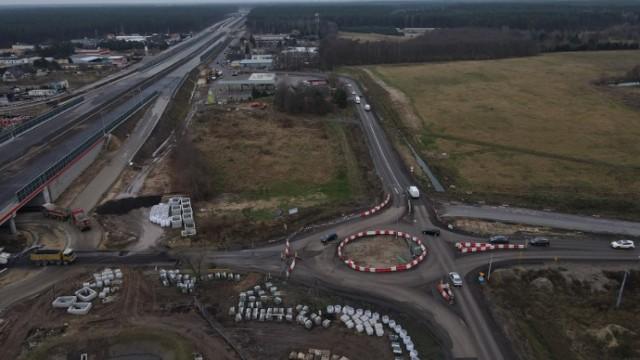 Drogowcy wprowadzili dzisiaj kolejne zmiany w organizacji ruchu na budowanym odcinku trasy S5 w regionie.