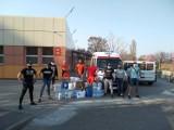 Kakesiacy ze wsparciem dla szpitala w Kaliszu i pogotowia ratunkowego. ZDJĘCIA