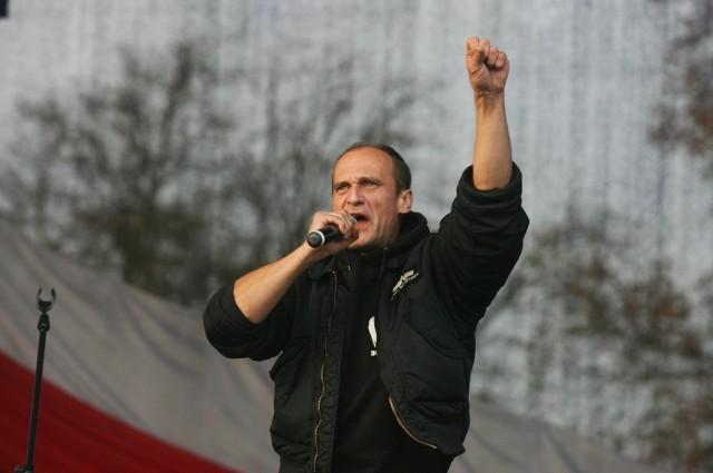 """Paweł Kukiz podkreśla, że utwory na płycie przygotowywanej z Janem Borysewiczem są """"apolityczne"""", ale dla Sony Music Polska nie ma to znaczenia."""