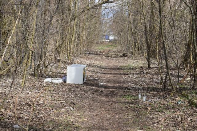 Tak na wiosnę prezentowały się tereny powojskowe między ulicą Polną a Kołobrzeską. Miasto oddałoby w zamian działkę na Polnej koło policji, na której powstanie budynek z ramach Mieszkania Plus