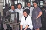Pokolorowaliśmy stare, czarno-białe zdjęcia z zakładu Carina w Gubinie. Podoba Wam się taki efekt?