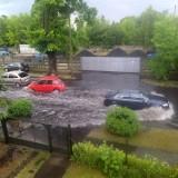 Ulewa w Wieluniu 22.06.2021. Do pompowania wody z ulic i piwnic ściągnięto posiłki z innych gmin ZDJĘCIA
