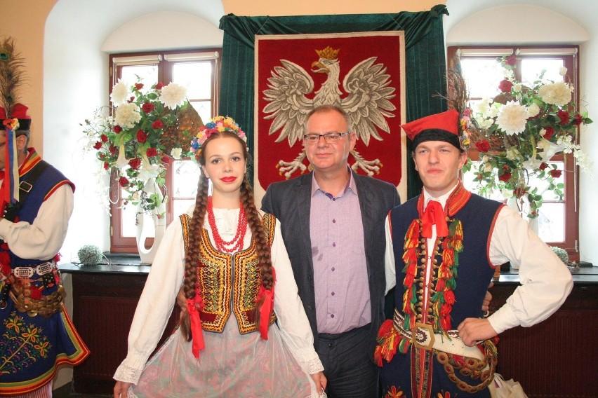 Burmistrz Mariusz Kędzierski obiecał, że kupi teren po...