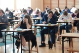Matura 2021 w Strzelcach Opolskich. Zobacz zdjęcia z egzaminu z języka polskiego