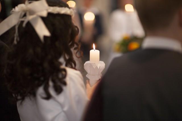 Pierwszokomunijne dzieci z Mszany Dolnej  objęte kwarantanną, uroczystość z ich udziałem przełożona