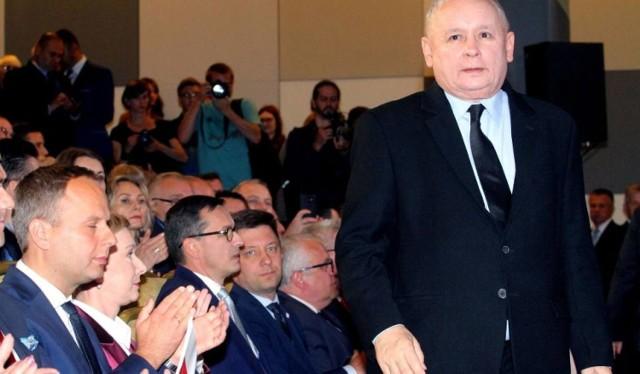 500 plus dla emerytów. Jarosław Kaczyński, prezes partii rządzącej zapowiedział wprowadzenie nowego dodatku