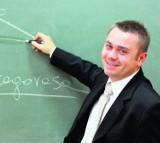 Ile pracują nauczyciele w Małopolsce?