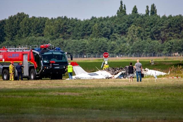 Samolot dwusilnikowy Tecnam rozbił się podczas wykonywania manewru low-pass