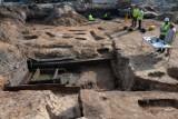 Niezwykłe odkrycie przy przebudowie ul. Miodowej. Znaleziono ślady miasta sprzed 500 lat [ZDJĘCIA]