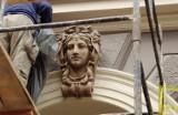 Detale architektoniczne kamienicy przy ul. Grottgera w Przemyślu odzyskują blask [ZDJĘCIA]