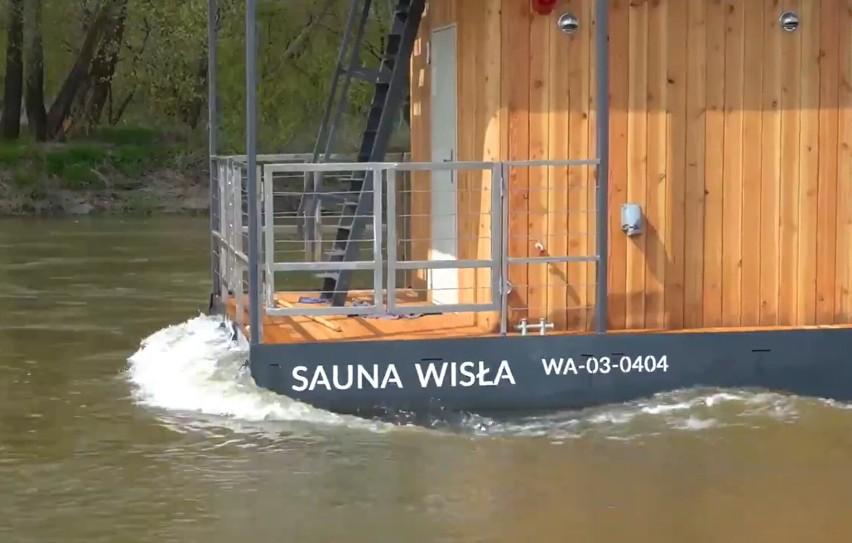Pływająca sauna na Wiśle