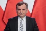 Zbigniew Ziobro proponuje gigantyczne kary dla serwisów społecznościowych. Będzie zakaz usuwania wpisów i blokowania kont użytkowników?