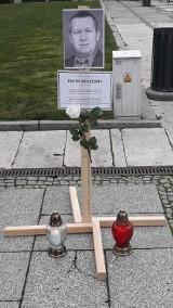 Na Głównym Rynku w Kaliszu uczczono pamięć Piotra Szczęsnego