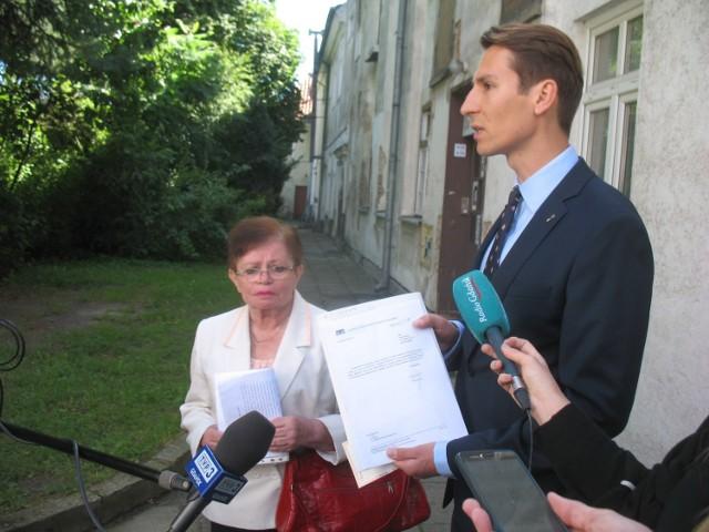 Radny Kacper Płażyński interweniujeł w sprawie warunków mieszkaniowych 70-letniej gdańszczanki