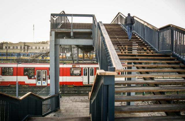 Między 1 a 11 czerwca pociągi nie będą zatrzymywać się na stacji Gdańsk Stocznia. Wszystko w związku z obchodami gdańskiego Święta Wolności i Solidarności. 1 i 4 czerwca, czyli w dniach największej ilości wydarzeń, zamknięta będzie także kładka nad przystankiem Stocznia.