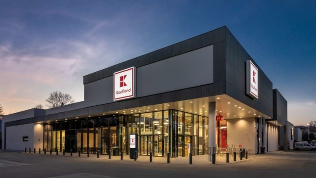 W zmodernizowanych sklepach Kaufland (tu Kaufland Katowice) jest po 6 kas samoobsługowych.  Zobacz kolejne zdjęcia. Przesuwaj zdjęcia w prawo - naciśnij strzałkę lub przycisk NASTĘPNE