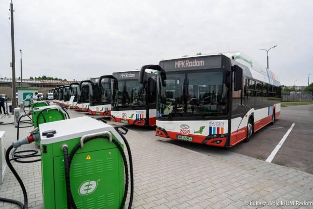 Elektryczne autobusy MPK kupiło z unijnym wsparciem, nie zatruwają powietrza i są wygodne dla pasażerów.