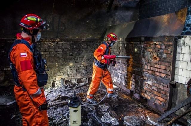 Ćwiczenia strażaków w Brzegu.