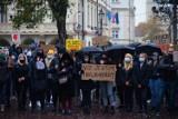 Potężny protest kobiet na Rynku w Rzeszowie. Uczestniczki dzwoniły do Krzysztofa Bosaka. Nie godzą się na zaostrzenie prawa aborcyjnego