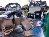 Problematyczny odbiór śmieci przy Azaliowej w Pruszczu Gdańskim. Wiata jest, ale nie można z niej korzystać