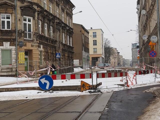 Skrzyżowanie  ul. Franciszkańskiej z ul. Smugową zostało zamknięte dla ruchu po awarii wodociągowej, do której doszło tam 17 stycznia.
