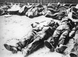 """7 sierpnia W Zdołbunowie na Wołyniu SS zamordowało 380-450 Żydów, a w 1944 zakończyła się """"Rzeź Woli""""."""
