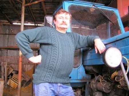- Pieniądze z dopłat wydałem w tydzień - mówi Stanisław Stec, rolnik z Kraśnika Górnego.    FOT. BERNARD ŁĘTOWSKI