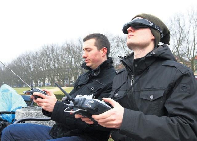 Podniebnym Szczecinem z ziemi zdalnie sterują Jarosław Syrek i Karol Fabjańczuk