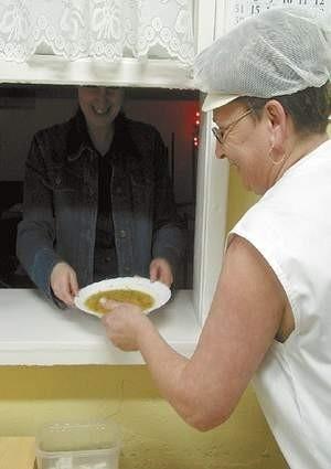 OPS finansuje obecnie obiady dla 2800 dzieci. Fot: MAGDALENA CHAŁUPKA