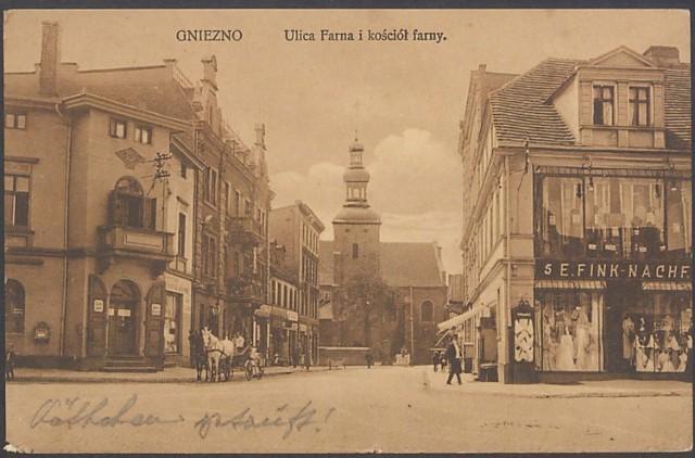 Ulica Farna po prawej za dorożką Farna 1 - pocztówka zasoby MPPP