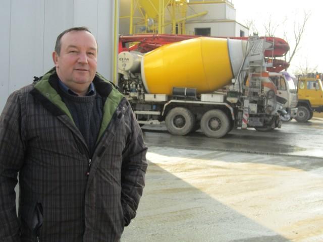 Jerzy Mikołajek przy ulicy Szczepanowskiej w Brzesku prowadzi betoniarnię, firma działa od ponad 22 lat