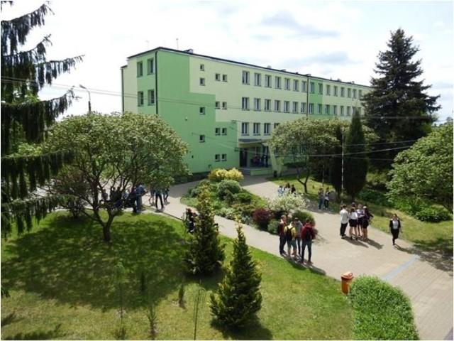 W 70. roku działalności szkoły szykuje się w niej wiele pozytywnych zmian, które zmienią oblicze tej ważnej placówki.