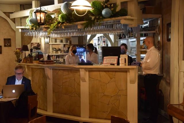 Otwarcie Restauracji Gospoda Złoty Garniec w Częstochowie   Zobacz kolejne zdjęcia. Przesuwaj zdjęcia w prawo - naciśnij strzałkę lub przycisk NASTĘPNE