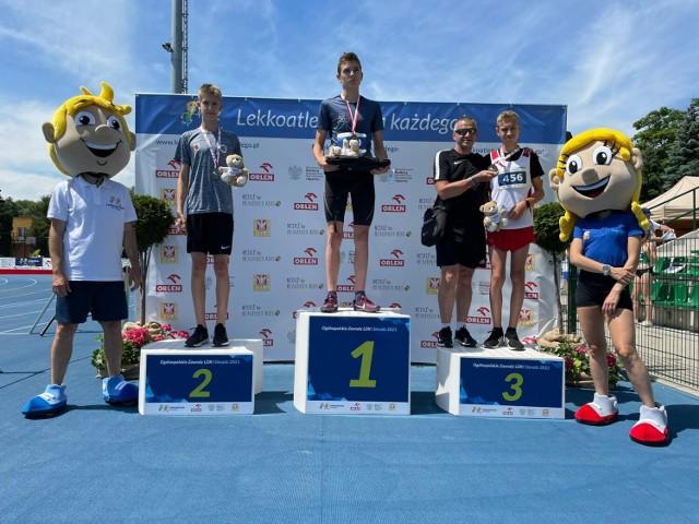 Dwóch zawodników UKS Maszewiak Maszewo, Antoni Piaskowski i Pola Mazurkiewicz, rywalizowało w ogólnopolskich zawodach lekkoatletycznych w Sieradzu.