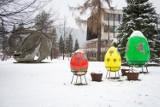 Zakopane. Zima na Wielkanoc. Miasto przykryło się śniegiem. Turystów jak na lekarstwo [ZDJĘCIA]