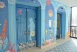 """Kolorowe windy w Centrum Zdrowia Dziecka. """"Na każdym piętrze inna bajkowa kraina"""""""