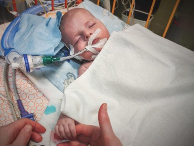 Kubuś z Bliznego ma zaledwie 3 miesiące. Jego życie zależy od kosztownej operacji w USA.