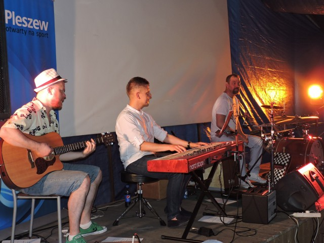 Koncert w namiocie kibica