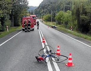 Rowerem jechał 83-letni mieszkaniec powiatu brzeskiego. Mężczyzna po zderzeniu z motocyklem zmarł na miejscu