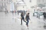 Pogoda na weekend w Krakowie 19-21 marca. Pochmurnie i z opadami śniegu. Sprawdź pogodę krótkoterminową