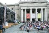 Rusza 6. sezon wydarzeń kulturalnych na placu Defilad. Będą koncerty, spektakle i kino letnie [PROGRAM]