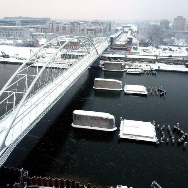 Trwa budowa nowego mostu na Wiśle