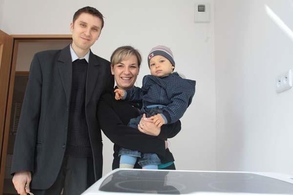 Weronika i Marcin Dudkowie cieszą się z mieszkania